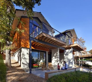Modern Lake House in Missouri - Photo 9 of 9 -
