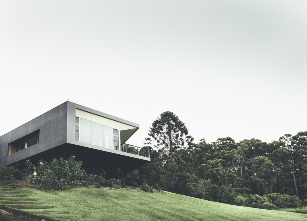 Teeland Architects designed this modern home on Australia's Sunshine Coast in order to maximize views of the Pacific Ocean to the east as well as the surrounding forest to the north. Tagged: Grass, Exterior, and House. Modern House Captures Panoramic Views in Australia by Allie Weiss