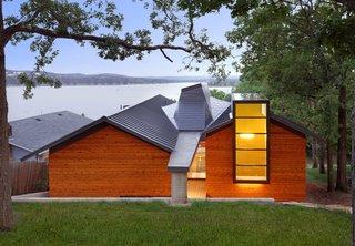 Modern Lake House in Missouri - Photo 1 of 9 -