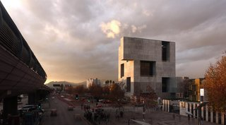 Chilean Architect Alejandro Aravena Wins This Year's Pritzker Prize - Photo 10 of 11 -
