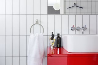 Universally Easy Bathroom Accessories Ideal for Renovators of All Ages - Photo 3 of 6 -