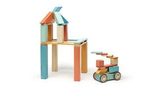 A Toy Company's Vision to Help Honduras by Selling a Lot of Blocks - Photo 4 of 5 -