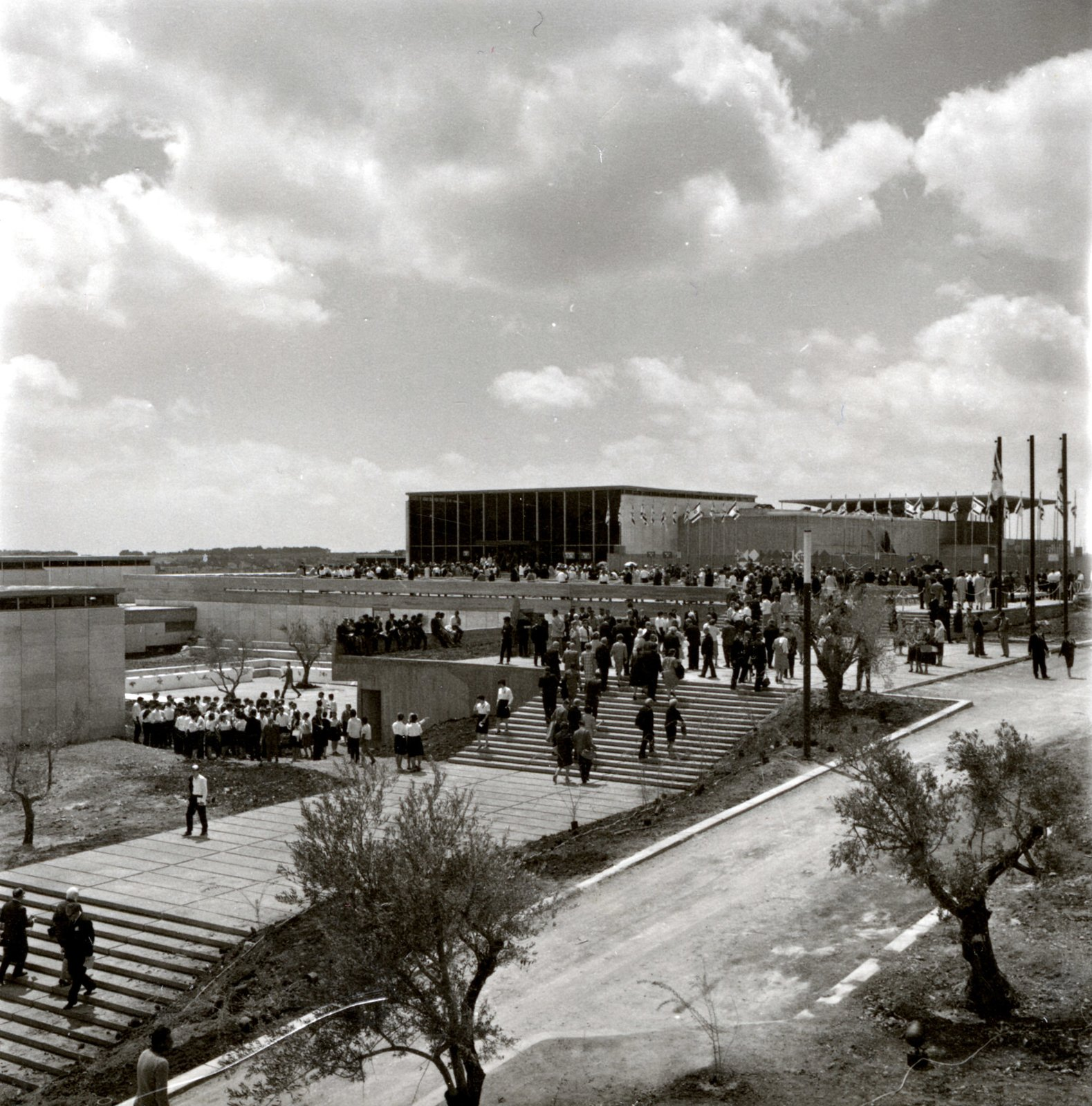 Designed by Russian-born architect Al Mansfeld, the museum is located atop Neveh Sha'anan, the Hill of Tranquility, in Jerusalem. The structure was a cutting-edge example of modular building: it consists of 120-square-foot units that can be grouped together or sit on their own.  This is What Design Looked Like in Israel in 1965 by Allie Weiss