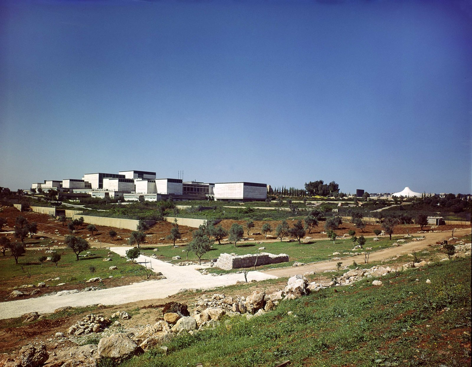 Each module is constructed of form-cast concrete clad with Jerusalem stone, and features clerestory windows that surround the perimeter.  This is What Design Looked Like in Israel in 1965 by Allie Weiss