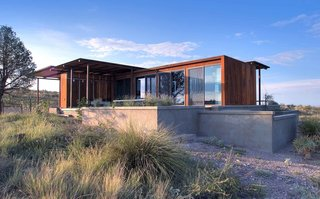 A Petite Prefab With Stunning Views of the Texas Landscape