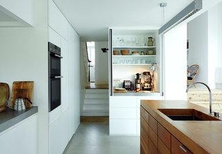 This Kitchen Is as Cozy as Your Favorite Coffee Shop and That's Exactly the Idea - Photo 3 of 9 -