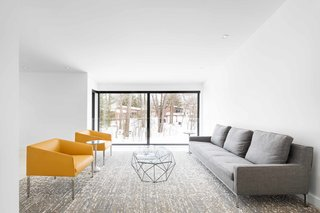 How to Refresh a Midcentury Gem in Quebec? Winter-White Everything - Photo 11 of 12 -