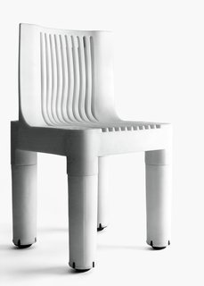 Only Richard Sapper Could Turn the Hairdryer Into a Masterpiece - Photo 2 of 6 - K 1340, Polyethylene children's chair designed by Marco Zanuso, Kartell, 1964.