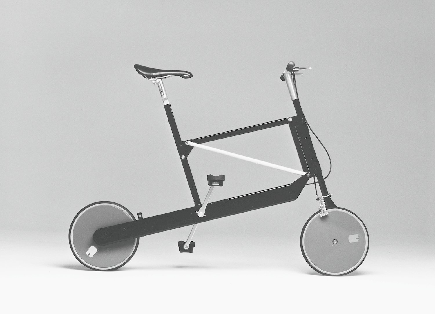 Zoombike, folding bicycle, Elettromontaggi, 2000.  Bicycle, Bicycle by Aileen Kwun from Only Richard Sapper Could Turn the Hairdryer Into a Masterpiece