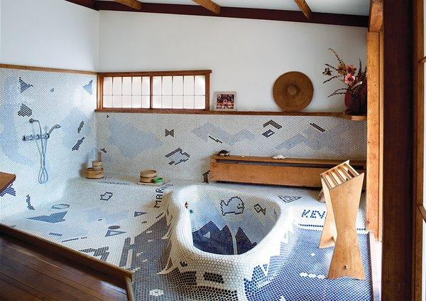 #bath #spa #bath&spa #modern #interior #interiordesign #GeorgeNakashima #1977 #sansovilla #receptionhouse #greenliving #pennytile #japanese #japan #abstractpattern #bathrub #sculptural