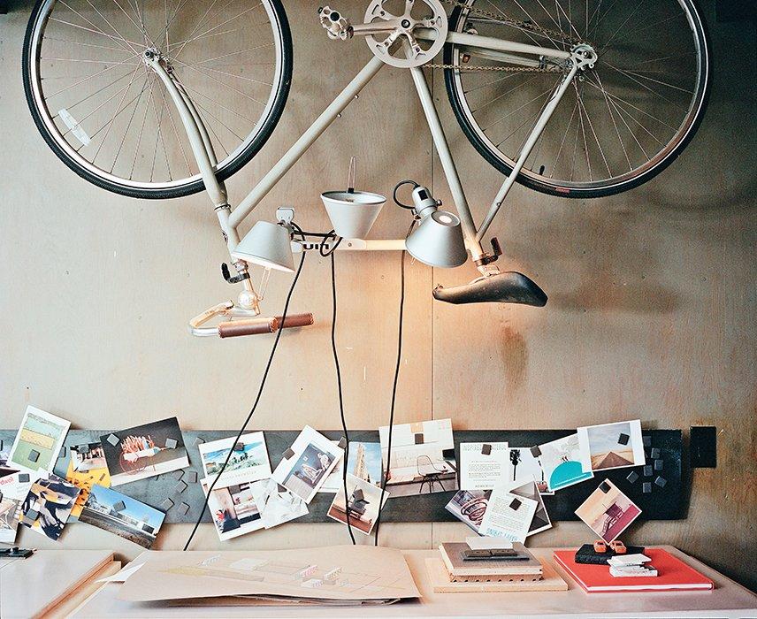 #workplace #office #interior #inside #indoor #A.QuincyJones #LosAngeles #California #Norelius #studio #artist #bicycle #lighting #Artemide #custom #desk #BruceNorelius  Photo courtesy of Jake Stangel