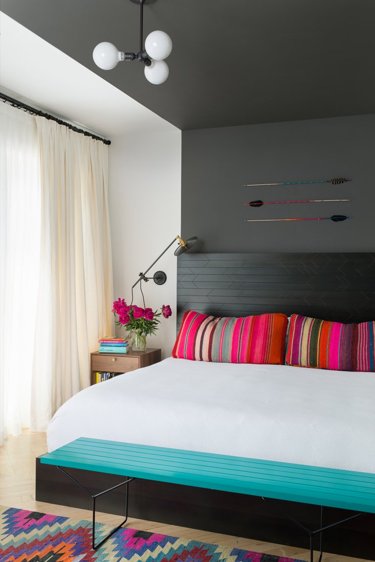 #color #interior #bedroom #modern #modernarchitecture #Brooklyn #NewYork #JessicaHelgerson #JessicaHelgersonInteriorDesign #ChelsieLee  Photo by Andrew Cammarano  36+ Interior Color Pop Ideas For Modern Homes by Dwell