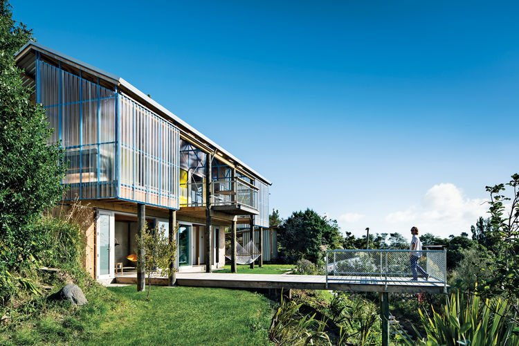Photo 1 of 5 in This Home Achieves Blissful Living in the Hills