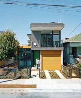 7 Glorious Golden State Prefabs - Photo 7 of 7 - With a sleek prototype in Emeryville, California, under its belt, Simpatico Homes sets out to redefine prefab's cost—and footprint. The modular homes are inspired by the work of the postwar developer Joseph Eichler, and founder Seth Krubiner.