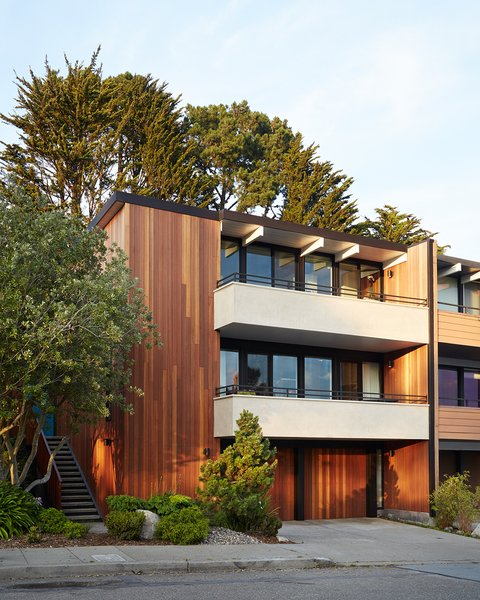 Over time, shingles had been added on the front facade. Referencing Claude Oakland's original drawings, the firm removed and replaced them with vertical grain Kayu-Batu siding. The balconies, also covered with wood shingles, received a plaster finish.