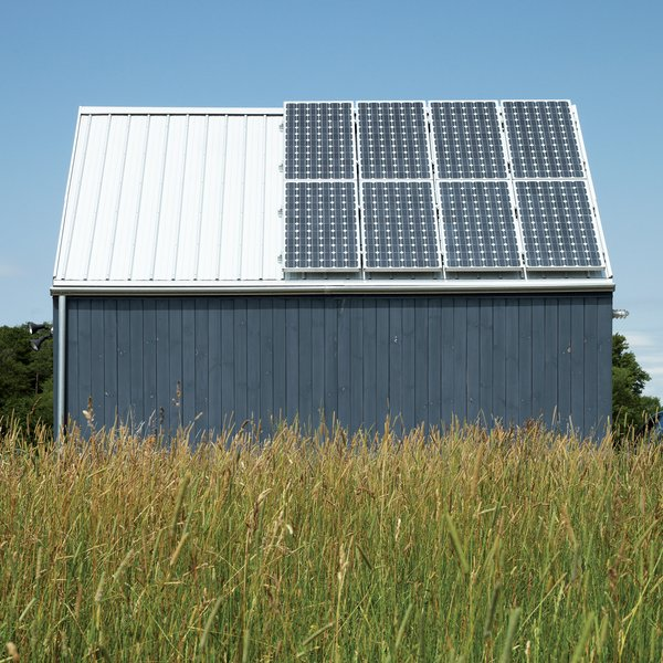 A 1.4-kW solar array by Sharp and propane-powered in-floor radiant heating from Radiantec obviate any need to connect to municipal power.