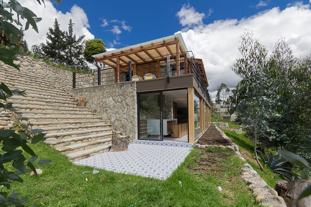 Photo 6 of 6 in tourists to ecuador hope to get near this home s lookout dwell - Casas prefabricadas cuenca ...