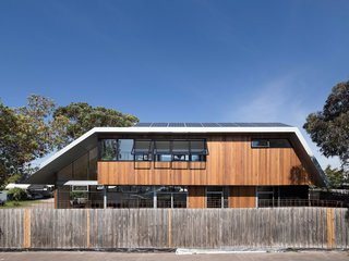 The Week's 10 Best Houses - Photo 1 of 10 - Via Dezeen, photo by Ben Hosking