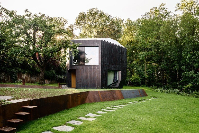 Photo 1 of 11 in 10 Spectacular Modern Abodes