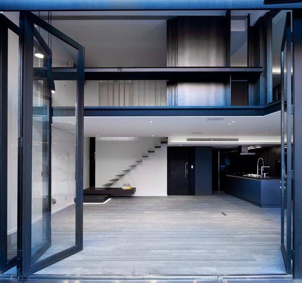 Via Design Milk.  Photo 10 of 11 in 10 Spectacular Modern Abodes