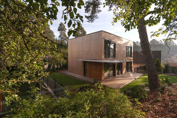 Photo 9 of 11 in this week 39 s 10 best houses dwell - Maison wooden concrete nestor sandbank ...