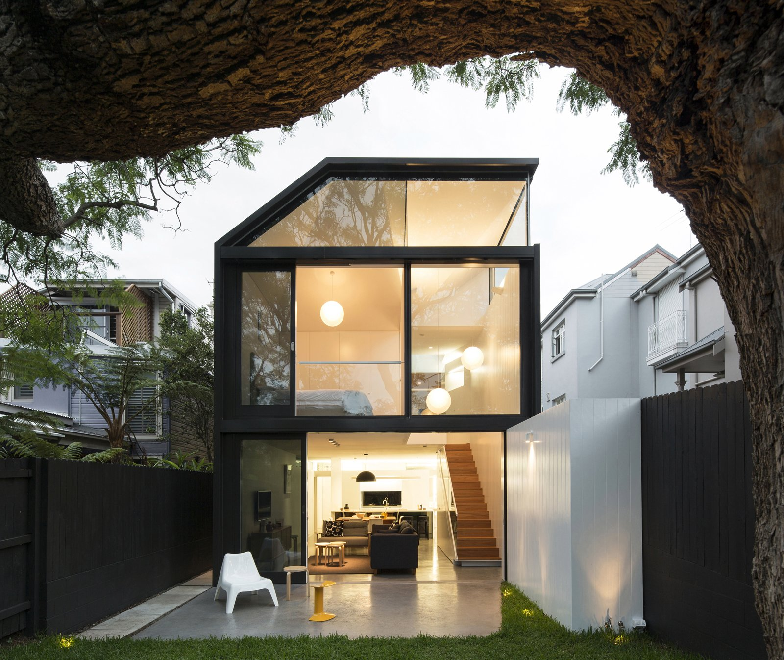 Photo 1 of 9 in Renovation Near Sydney Opens Home Onto a Lush Garden
