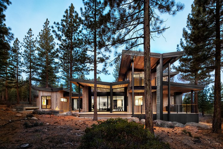 Project Name: Martis - Dunsmuir  Photo 2 of 21 in 20 Modern Prefab Companies Perfect for Mountain Living