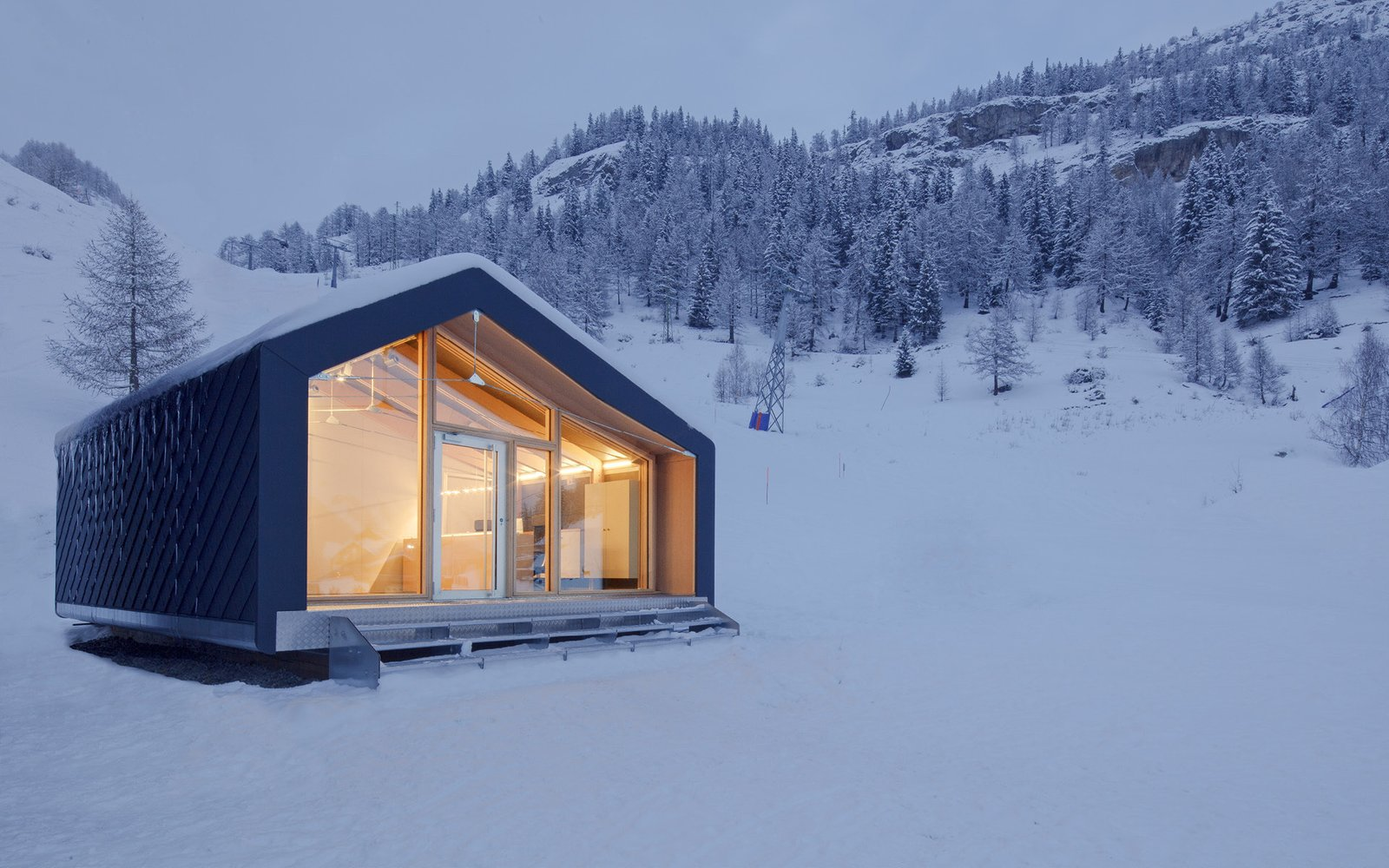 Project Name: S3 Tagged: Exterior and Prefab Building Type.  Photo 6 of 21 in 20 Modern Prefab Companies Perfect for Mountain Living
