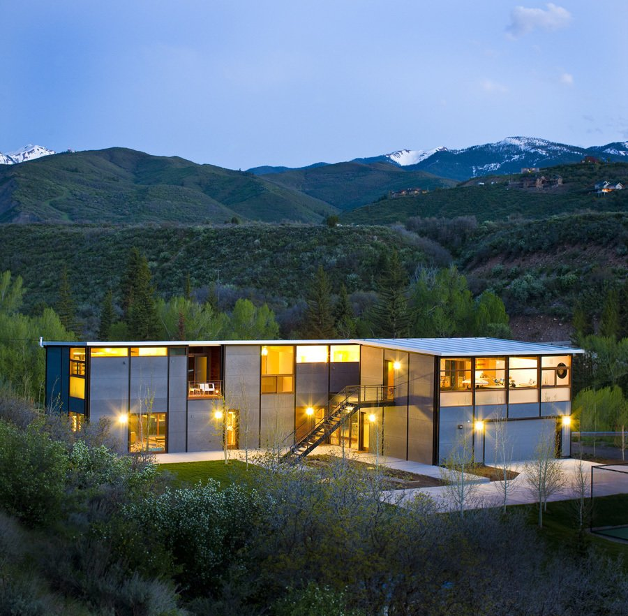 Project Name: Aspen Flatpak  Photo 16 of 21 in 20 Modern Prefab Companies Perfect for Mountain Living
