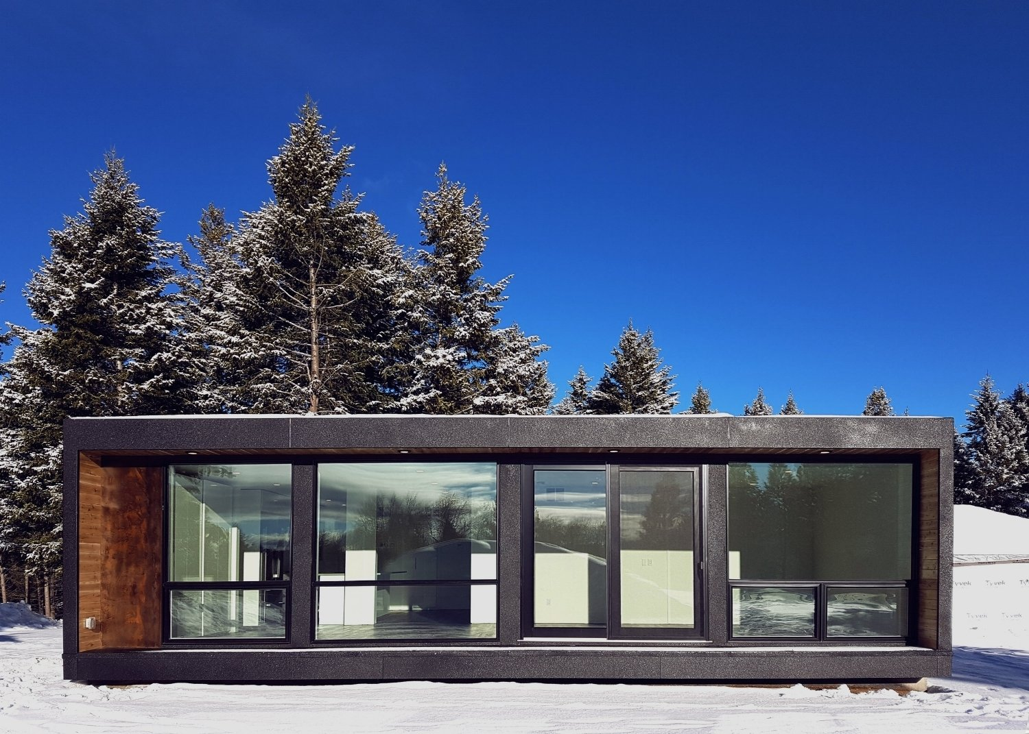 Project Name: HO4+  Photo 18 of 21 in 20 Modern Prefab Companies Perfect for Mountain Living