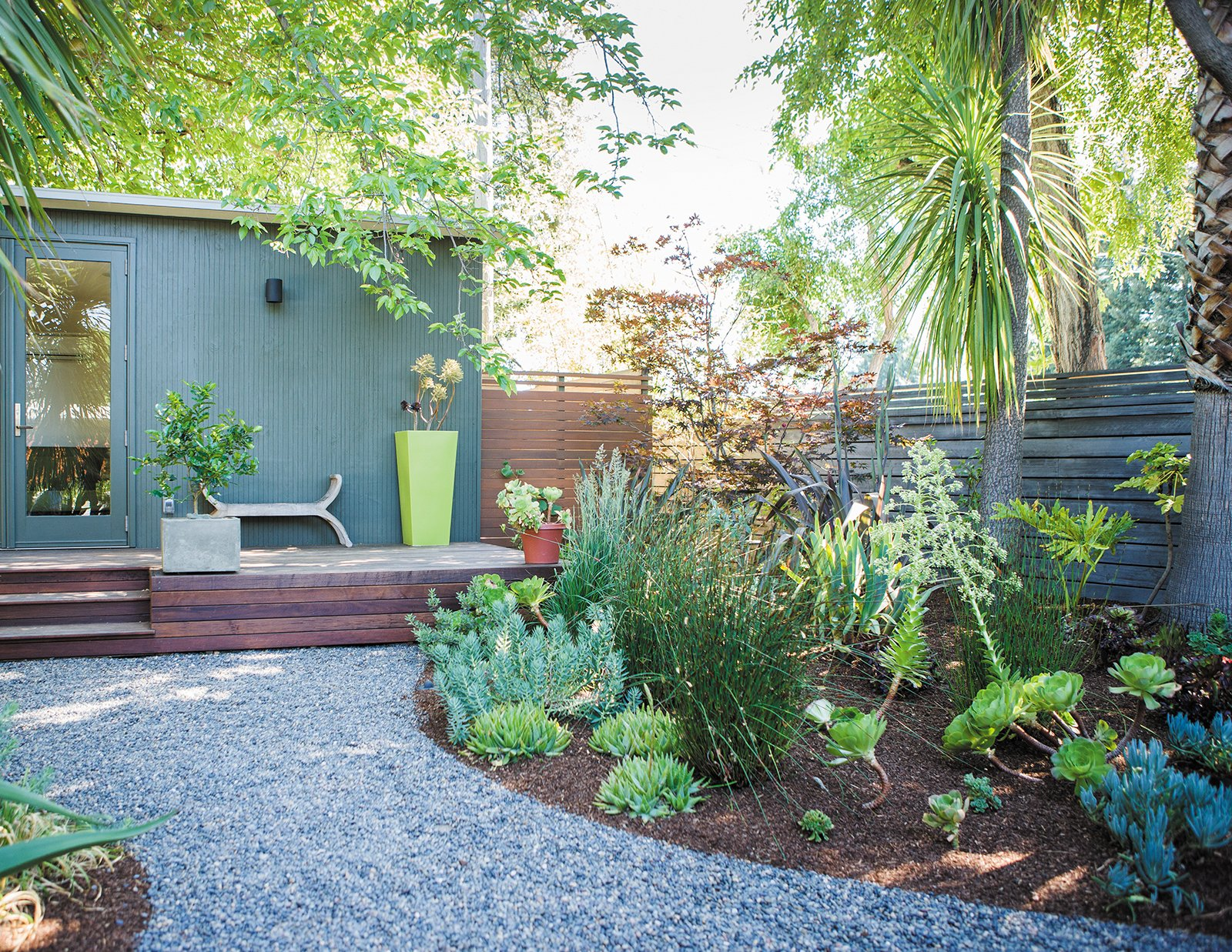 How to Make Your Tiny Yard Feel Spacious - Photo 1 of 7