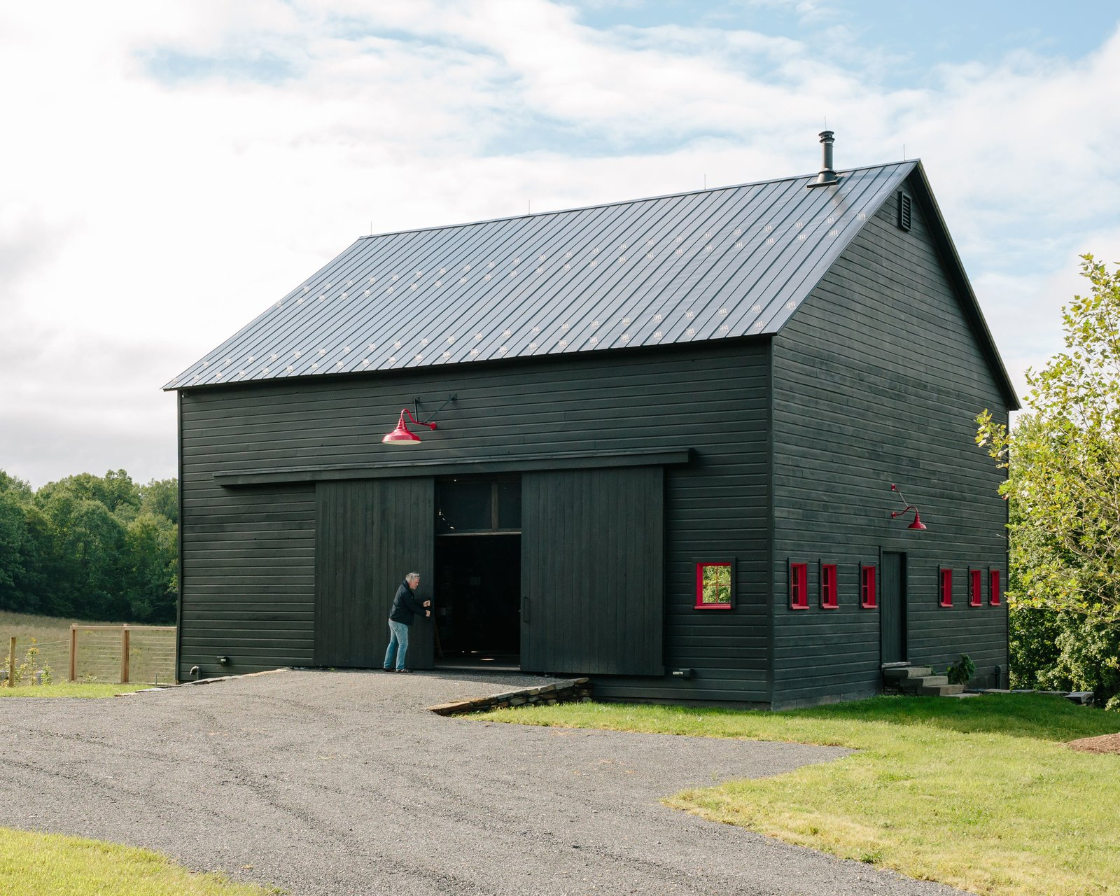 These 10 refreshed barns bring modern living to the for Modern pole barn homes