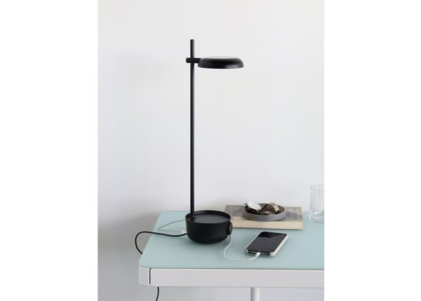 Focal LED Lamp