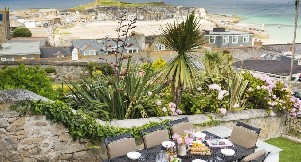 Pednolver, St. Ives  Photo 9 of 15 in Escape For a Weekend Away at One of These Cornish Retreats That Fuse Old and New
