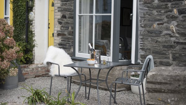 Just outside of Albany in Port Isaac is a peaceful garden, shops, beaches, and restaurants.