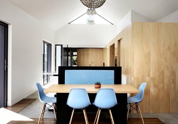 Courtesy of Austin Maynard Architects Photo 10 of Cut Cut Paw Paw modern home