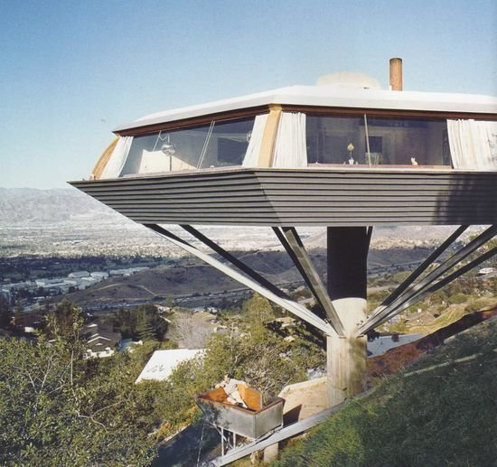 Film: <i>Body Double </i>(1984)  Photo 14 of 17 in 10 Modern Homes That Made a Star Appearance in Films
