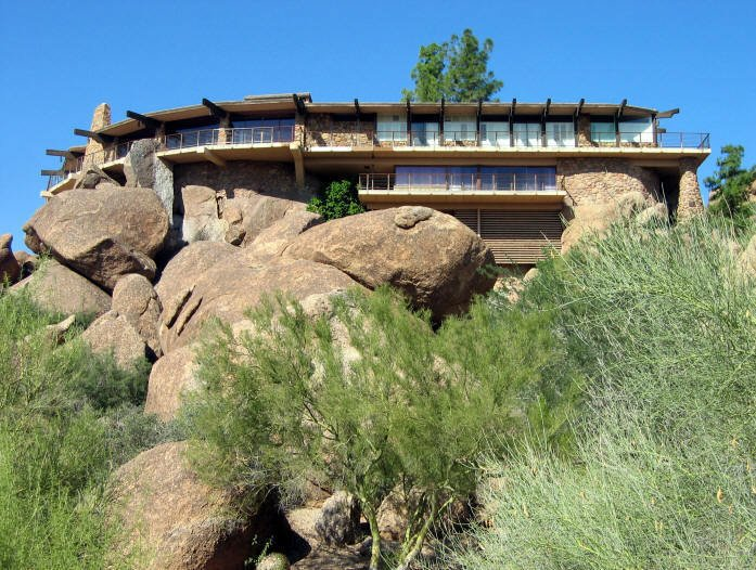 Film: <i>Zabriskie Point</i> (1970) Tagged: Exterior, Wood Siding Material, Flat RoofLine, and House.  Photo 15 of 16 in 10 Modern Homes That Made a Star Appearance in Films