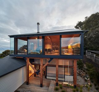 A Great Ocean Road Shack With a View Gets a Sustainable Update - Photo 1 of 11 -