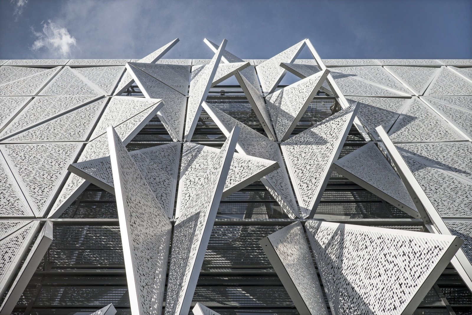 Photo 2 of 24 in Shape-Shifting Architecture: 10 Buildings That Move or Change Form
