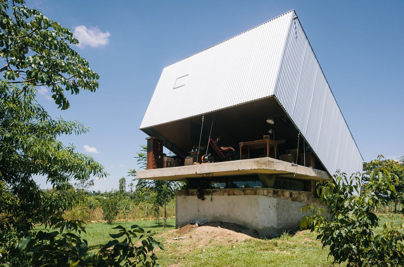 Photo 10 of 24 in Shape-Shifting Architecture: 10 Buildings That Move or Change Form