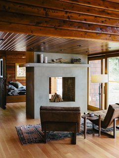 An Eclectic Pacific Northwest Cottage   Photo 2 Of 13   Bruce Livingstoneu0027s  Seaside Getaway In
