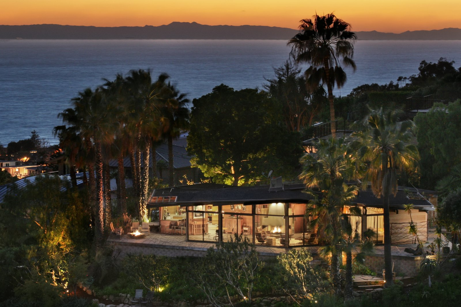 Photo 1 of 13 in A 1974 Masterpiece Is Put on the Market by a Family Friend of the Late Julius Shulman