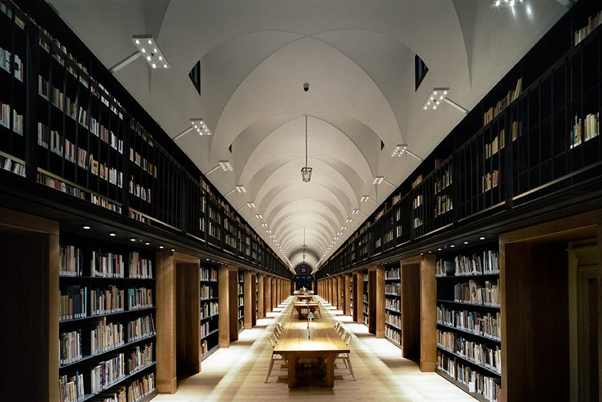 Nuova Manica Lunga, 2009  The restoration of  a 15th-century  library in Venice, Italy, included accommo-dation for more  than 100,000 books.  Read by DAVE MORIN from Michele De Lucchi