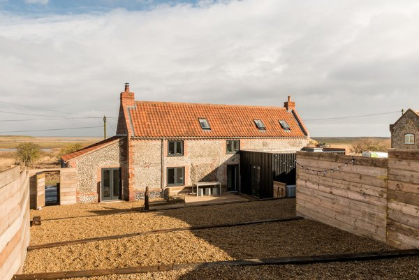 Modern home with outdoor. Photo 2 of Salthouse