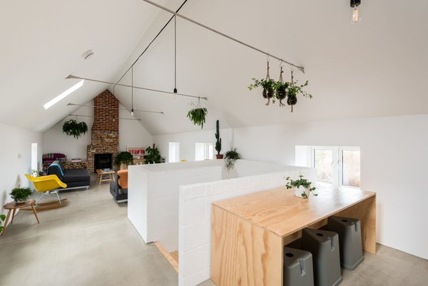 Modern home with living room. Photo 3 of Salthouse