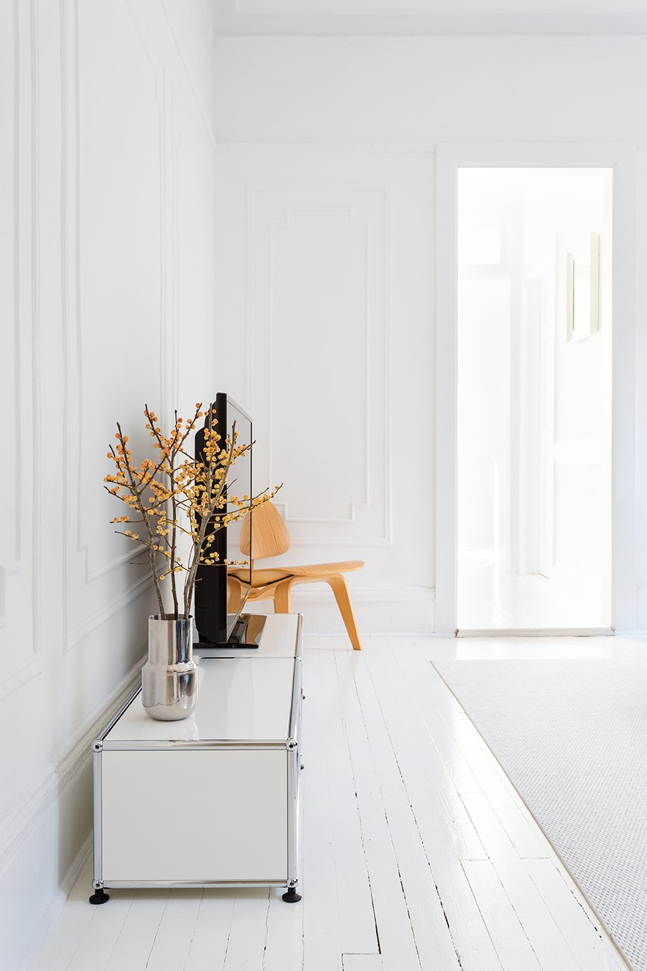 """""""When everything is painted white, you can really feel the spatial flow and the sectional geometry, which is interesting because it goes from being a rectangle to a square."""" Ed Parker, designer and resident"""
