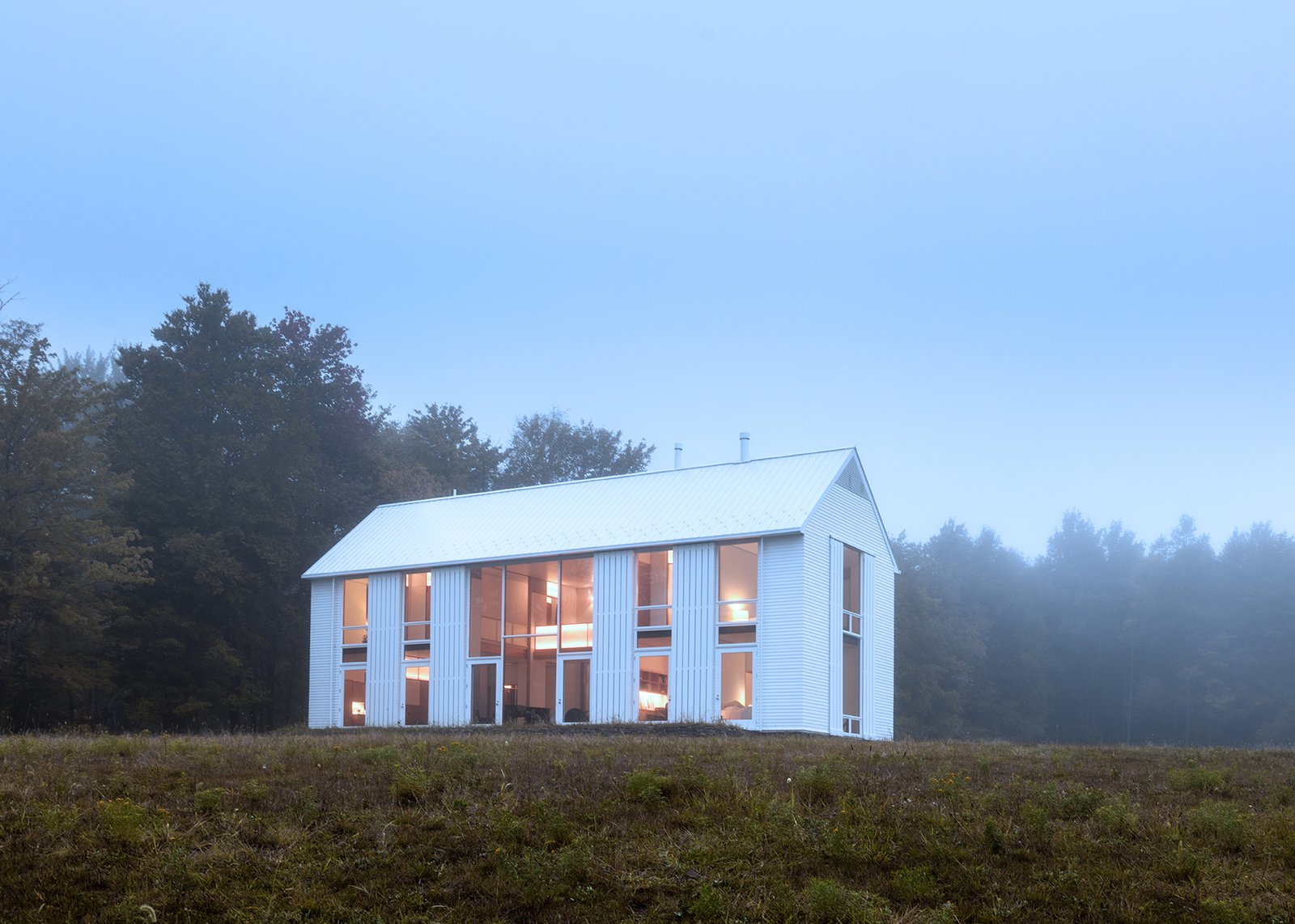 20 modern american farmhouses that update tradition