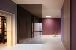 A Minimalist Townhouse Provides Serene Accommodations in Historic Kyoto - Photo 7 of 12 -