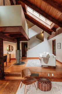 Repurposed Ship Materials and 100-Year-Old Beams Make Up This Tree House-Like Home - Photo 14 of 18 -